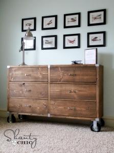 Rolling dresser